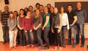 Students from the Arctic Ecology and Population Biology course (AB204) participating to the Teach to Learn (TE2LE) project and from the right, Associate professor Øystein Varpe (Leader of the AB204 course), Jonathan Soulé and Anne-Laure Simonelli (TE2LE team). Photo: Paolo Simonelli.