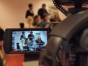 TE2LE team guiding students through the creation of their video tutorial. Photo: Paolo Simonelli.