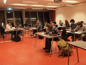Students answering a questionnaire to evaluate the TE2LE activities. Photo: Paolo Simonelli.